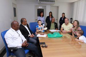 Aspomires doa bota ortopédica para associado de Ecoporanga